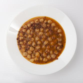 Receta de Garbanzos con Confeti de Chorizo en grano.